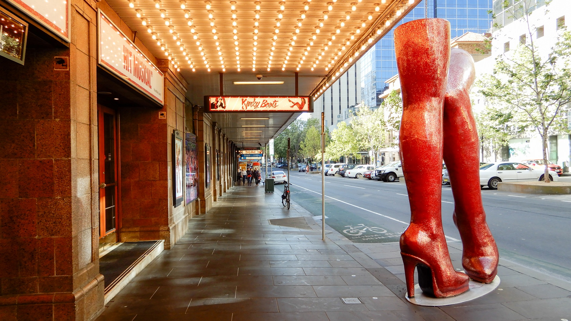 Kinky Boots Exhibition Street